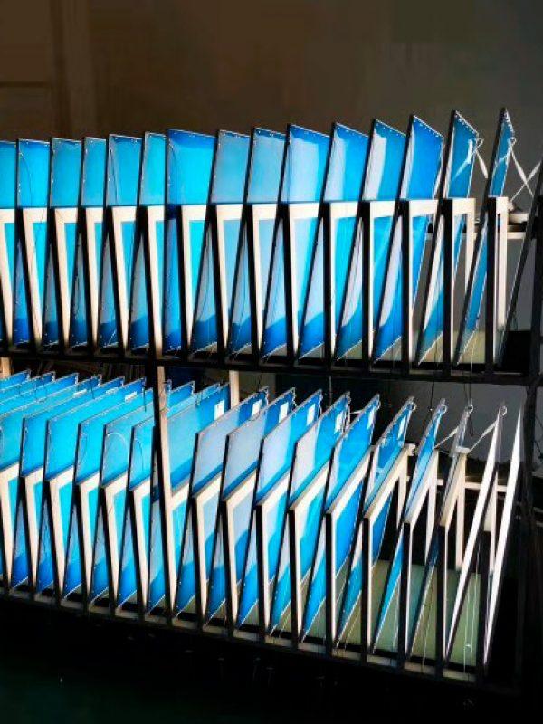 PRODUCTION DE PANNEAUX LED